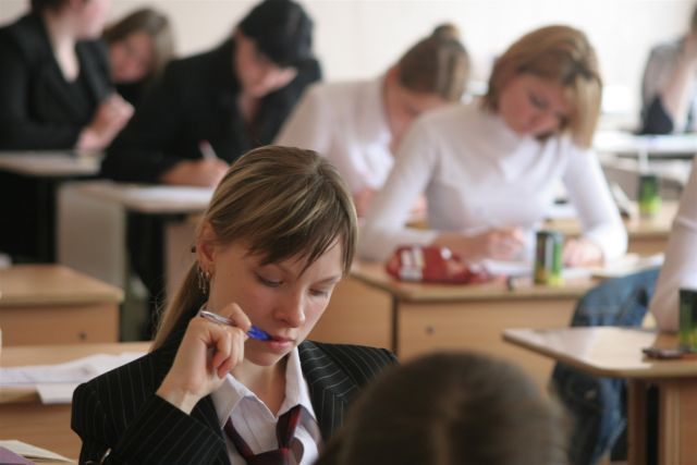 Суворовское училище в Екатеринбурге впервые окончили 12 девушек