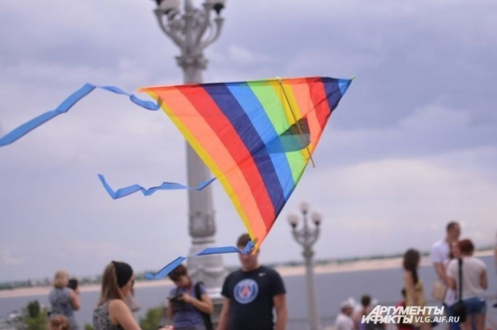 Воздушные змеи в небе над Волгоградом летали больше трех часов.
