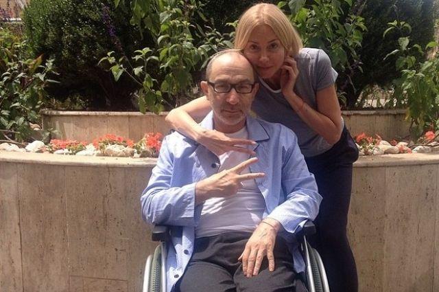 Геннадий Кернес в инвалидной коляске