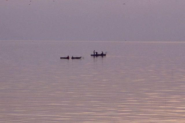 Из четырех рыбаков только двое вернулись домой.