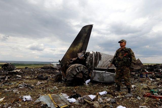 Сбитый самолет Ил-76 в Луганске