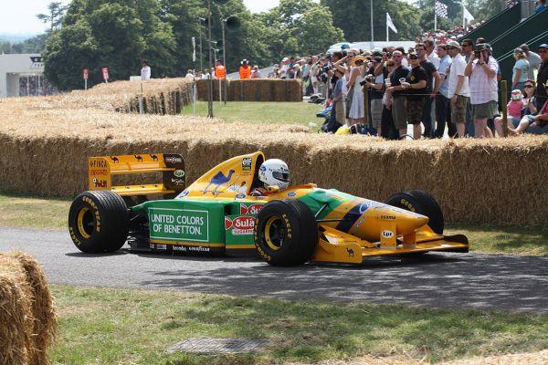 Свой первый чемпионат за команду «Бенеттон» Шумахер выиграл в Аделаиде на австралийской трассе. Гонщику было  25 лет. Михаэль Шумахер не всегда отличался примерной дисциплиной. Несколько раз на разных гонках он был дисквалифицирован за обгон соперника на прогревочном круге, за игнорирование черных флагов, за несоответствие болида техническим требованиям FIA.