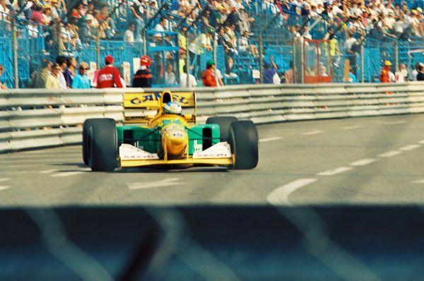 В 1992 году в Монако Шумахер сошел в 7 из 16 гонок из-за технических поломок болида, но 9 гонок выиграл: в одной из них он занял первое место, в пяти – второе и в трех – третье.