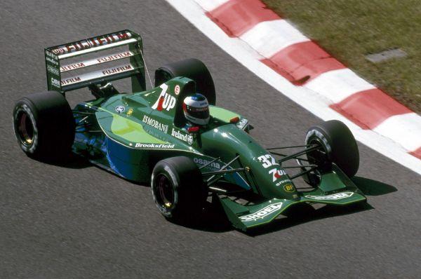Титул чемпиона в немецкой Формуле-3 Михаэль Шумахер выиграл в возрасте 21 года. И через год гонщиком и владельцем команды Эдди Джорданом был приглашен выступать за команду «Джордан». Именно после впечатляющего дебюта в  «Джордан» на бельгийской трассе Михаэль был замечен директором «Бенеттона», который сумел переманить молодого гонщика в свою команду.