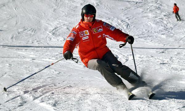 В 2013 году во время спуска по горнолыжной трассе во французских Альпах  Шумахер выехал за пределы зоны катания и споткнулся о камень.  От удара шлем Шумахера раскололся, гонщик получил серьезную головы. После того, как Шумахер потерял сознание, его ввели в искусственную кому, в которой он находился до 16 июня 2014 года.