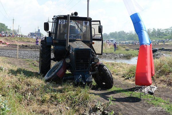 Самый первый прыжок Сергея Андрющенко закончился сломанным передним мостом.