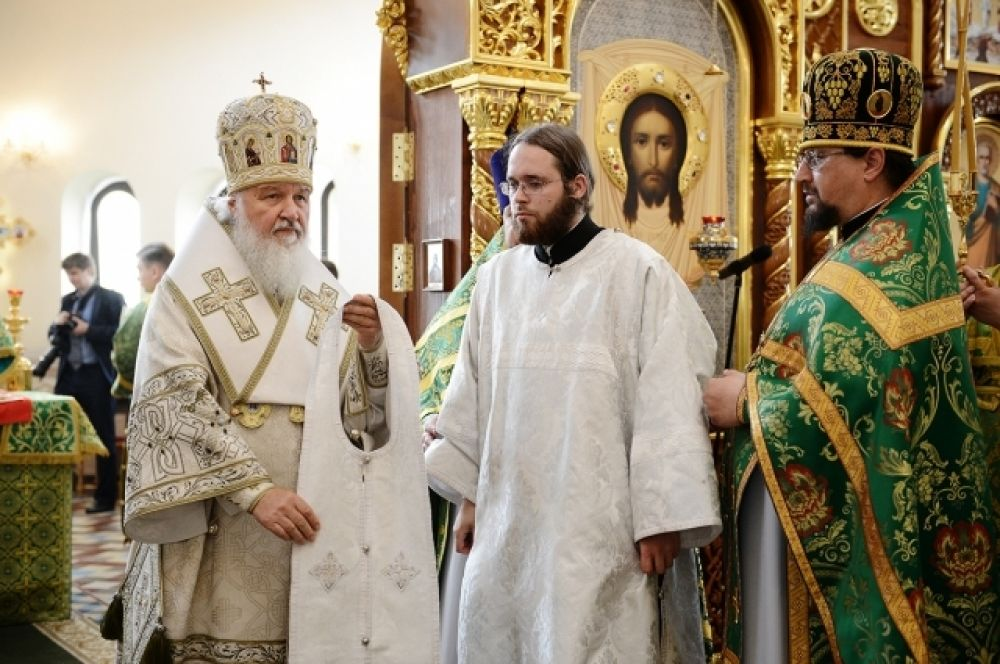 Во время божественной литургии.