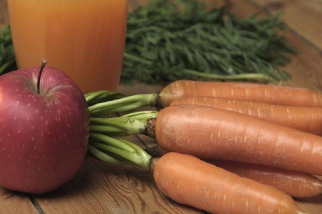В Омской области самые дешёвые морковь и яблоки.