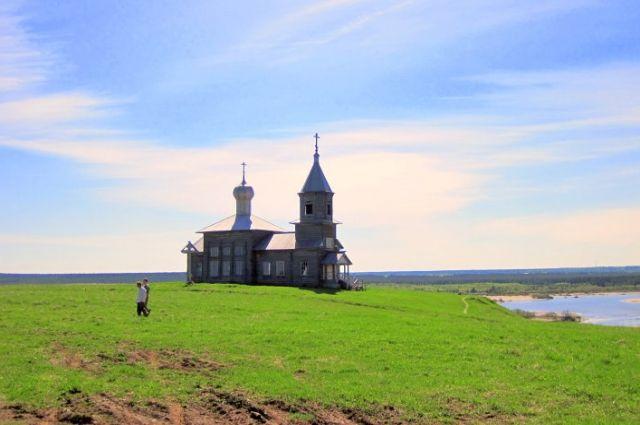 Никольская церковь в деревне Большая Нисогора.