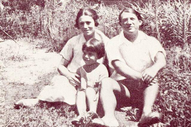 Пабло Пикассо, Ольга, Пауло, Антибы, 1924 год.