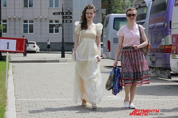 Тургеневские девушки встречаются на каждом шагу.