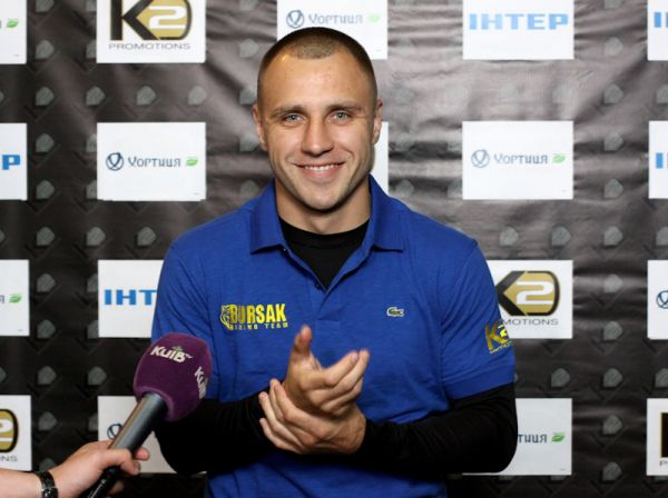Боксер Макс Бурсак проведет бой с Марреем 21 июня