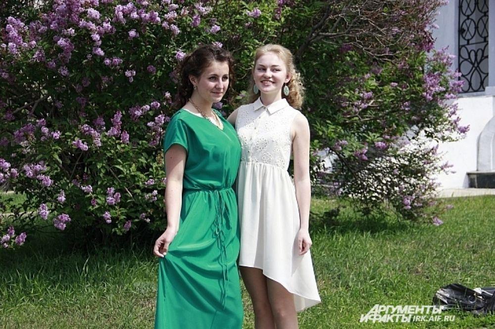 Улыбка - вот что делает платье неповторимым.