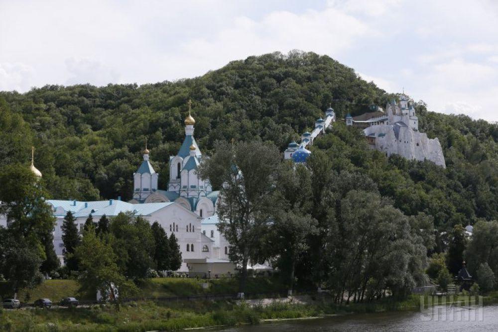 Свято-Успенская Святогорская Лавра - православный монастырь в Святогорске
