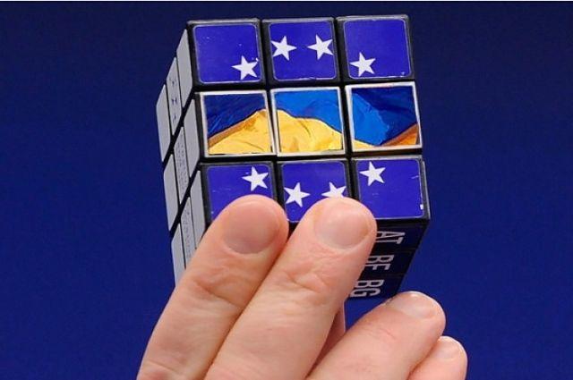 Флаги Украины и ЕС на кубике