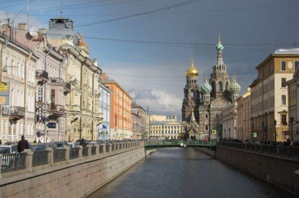 Собор на набережной канала Грибоедова - один из самых популярных видов Петербурга.