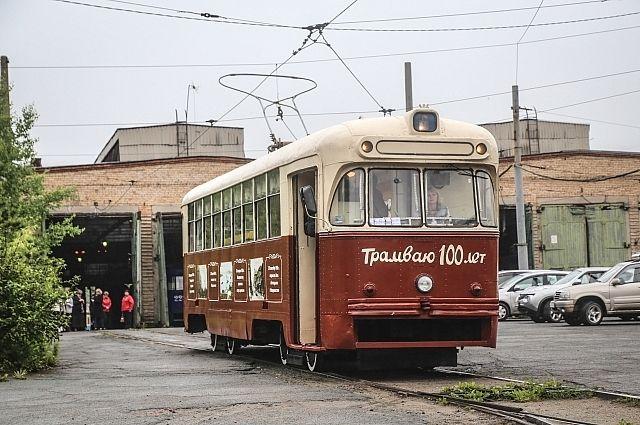 Трамвай-библиотека вышел на линию.