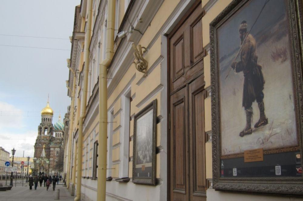 Спас-на-Крови соседствует с Русским музеем.