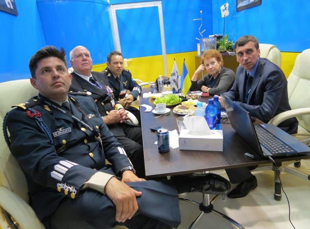 Украина и Канада представили совместный сверхмощный БТР