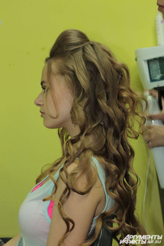 Закалываем начёс, как показано на фото.