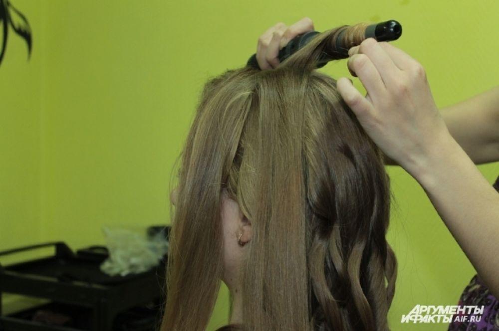 Накручиваем отделённые волосы.
