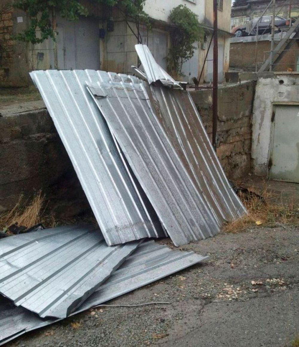 Ветер снес конструкцию в Алуште