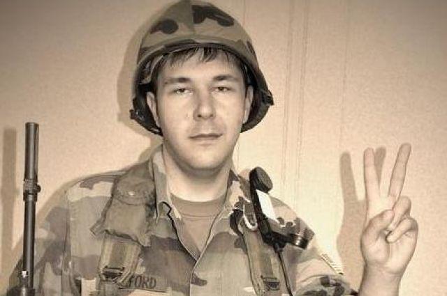 Друзья жителя Троицка не верят, что он отправил в Донецк берцы с лезвиями