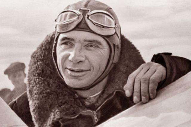 Президент Международной авиационной федерации В. К. Коккинаки.