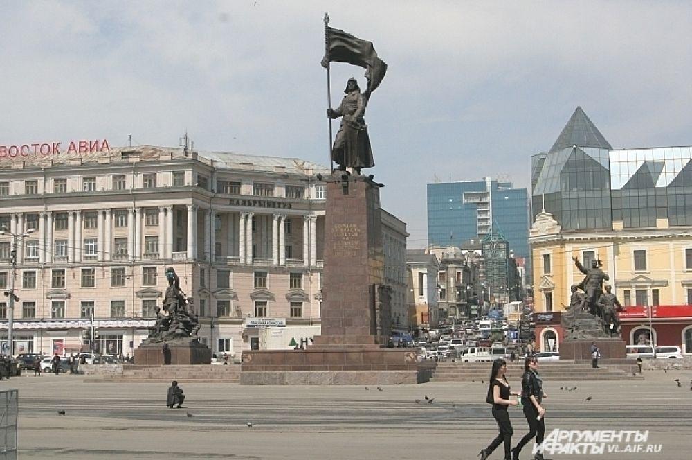 Памятник Борцам за власть Советов на Дальнем востоке.