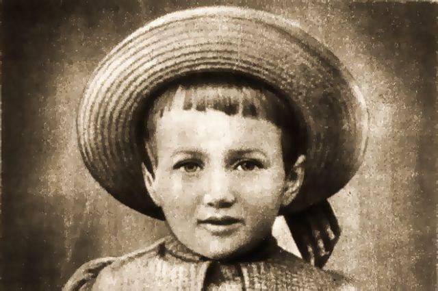 Тринадцатилетняя Аня Горенко в Царском Селе