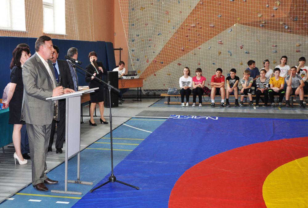 Участников поприветствовал начальник УМВД России по Ульяновской области, полковник полиции Юрий Варченко.