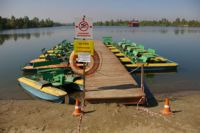 На некоторых пляжах Приангарья установлены таблички о запрете купания.