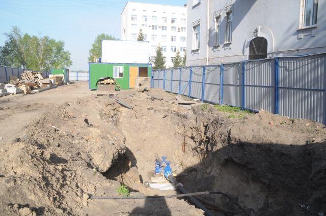 Строительство на улице Чокана Валиханова идёт полным ходом.