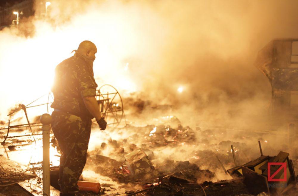 Огонь распространился на площадь в 20 кв. м