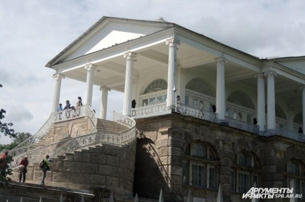 Камеронова галерея была построена для прогулок императрицы.