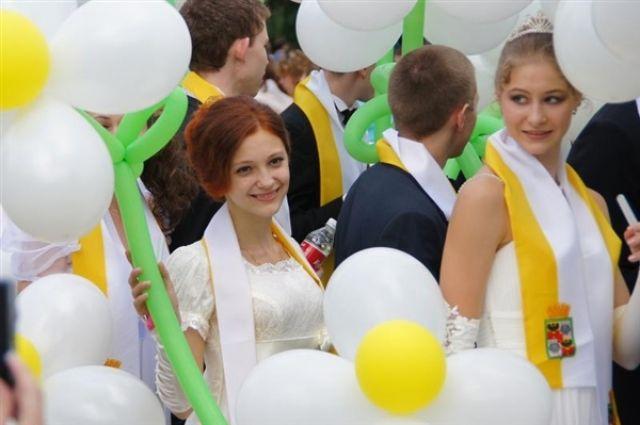 Отличников Екатеринбурга поздравил глава города