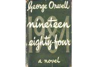Обложка одного из первых изданий романа.
