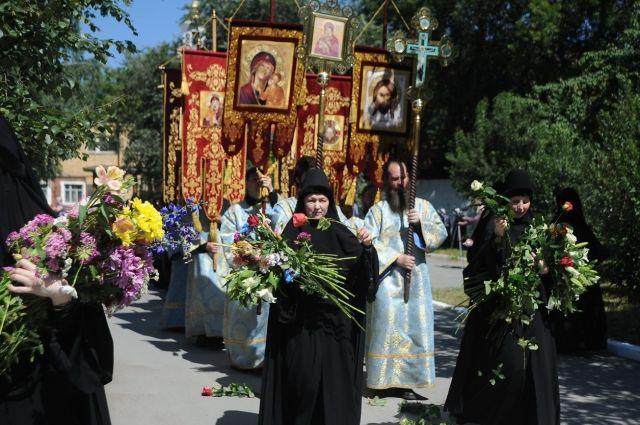 В Екатеринбурге пройдет крестный ход с живыми цветами