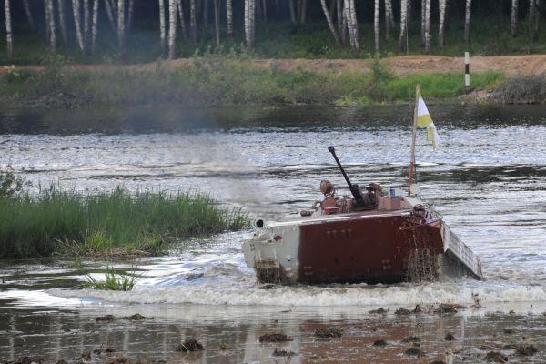 Экипаж Центрального военного округа на БМД-4М.