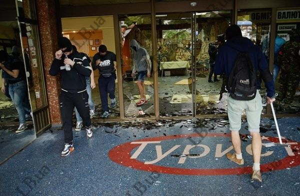 Фото штурма отеля «Турист»