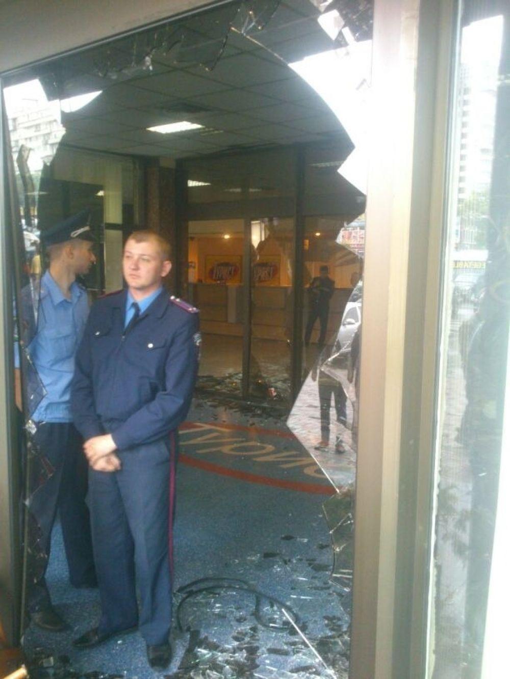 Фото погрома отеля «Турист»