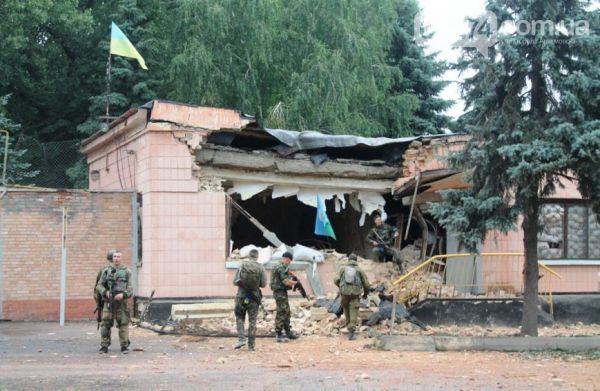 Боевики пять раз обстреляли из танков базу военных