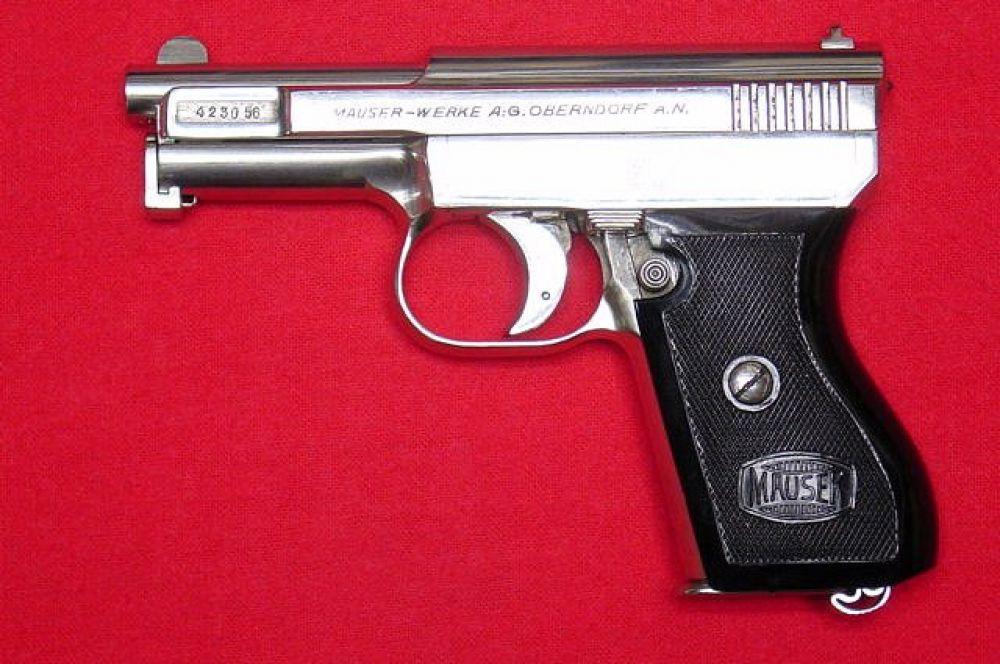 К 1914 году в Mauser разработали новый пистолет, получивший нетривиальное название 1914. Это был один из лучших компактных пистолетов своего времени. Будучи доработанной версией M1910, пистолет позволял использовать более мощные патроны 7,65 мм Браунинг. Оружие было рассчитано на полицейских и гражданских лиц.