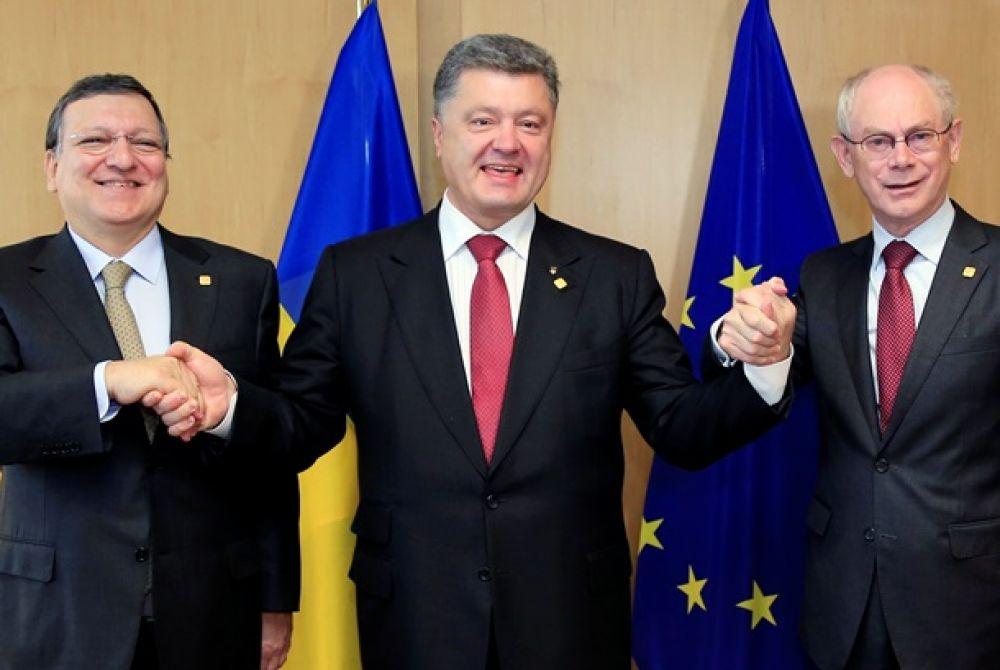 Петр Порошенко подписал экономическую часть Ассоциации с ЕС