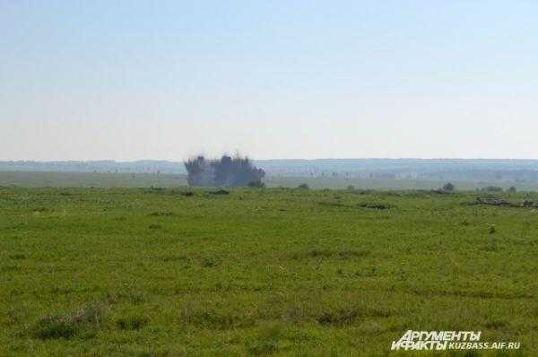Чтобы сделать противотанковый ров и прикрыть отход разведчиков, нужен всего один небольшой взрыв.