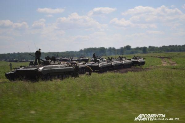 Теперь бригадам предстоит разъехаться по своим частям. Ближе всего ехать юргинцам, они отстрелялись на своём полигоне.