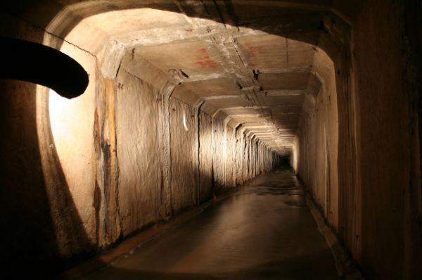 Подземные реки берут свое начало из самых глубоких земных недр.