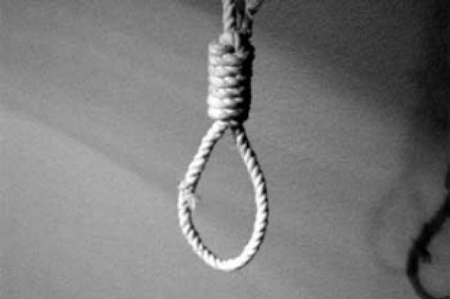 Одно из орудий для самоубийства.