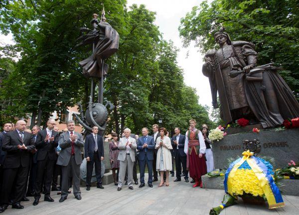На торжестве присутствовали первые лица украинской политики