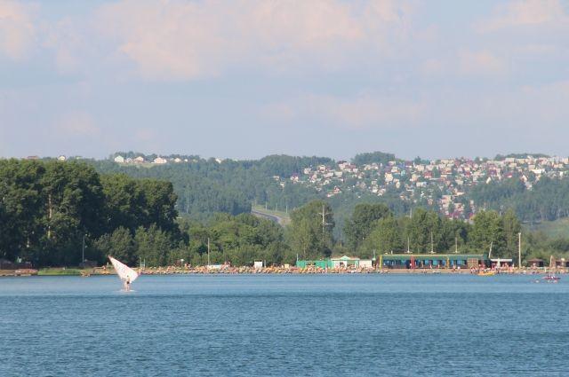 Томь - самое популярное место отдыха у кемеровчан.